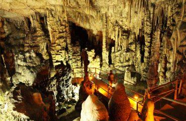Cave-Dikti-Above