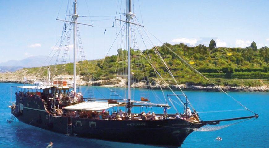 Souda-Bay-Pirate-Ship
