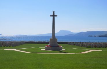 Souda-Cemetery-Cross