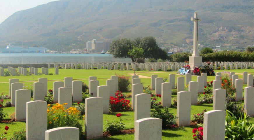 Souda-Cemetery-Graves