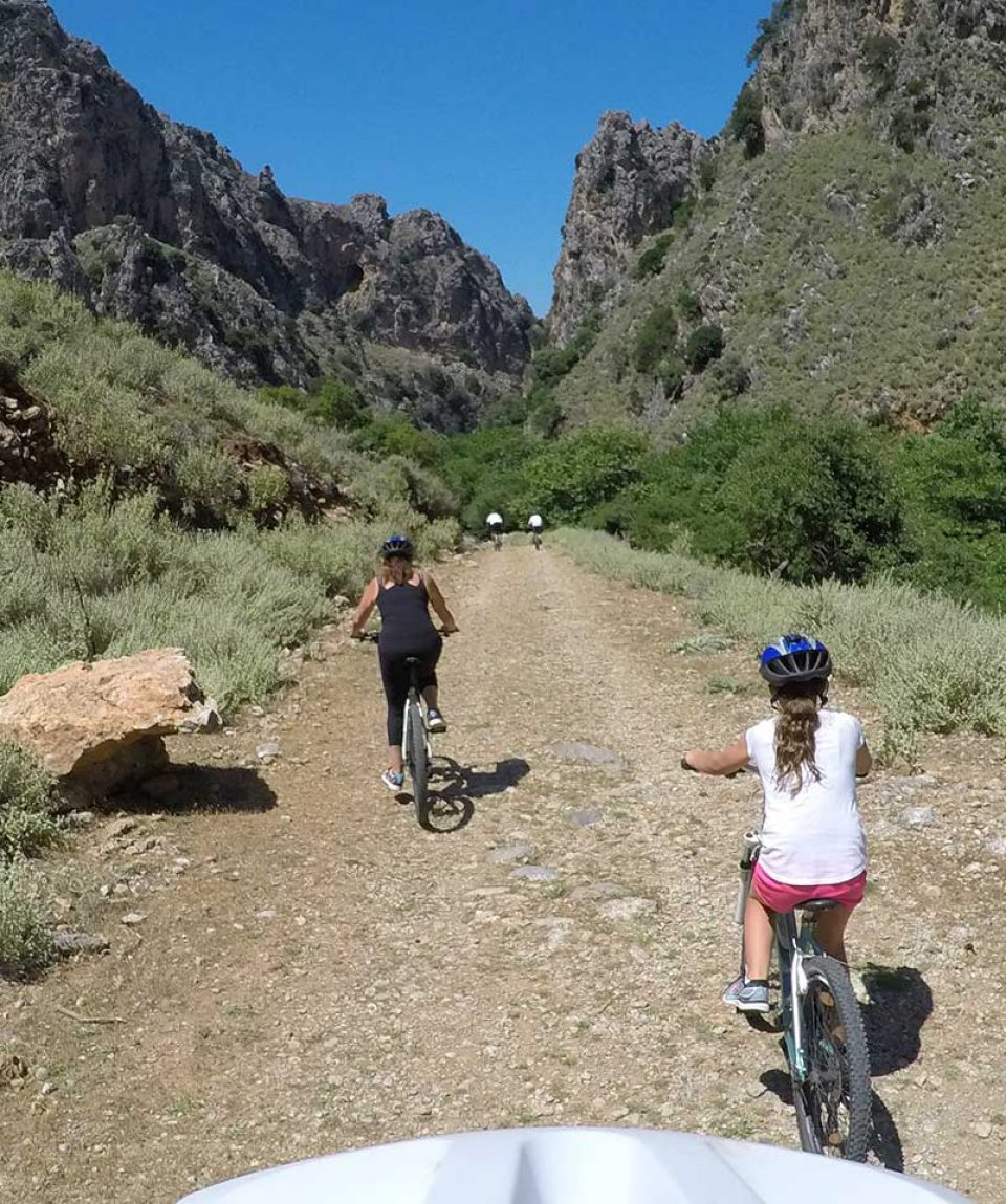 Cycle-through-Deliana-gorge