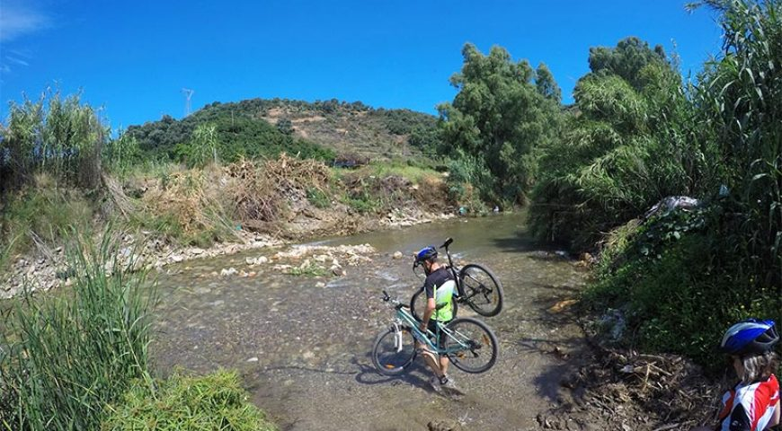 Cycling-Water-Pass