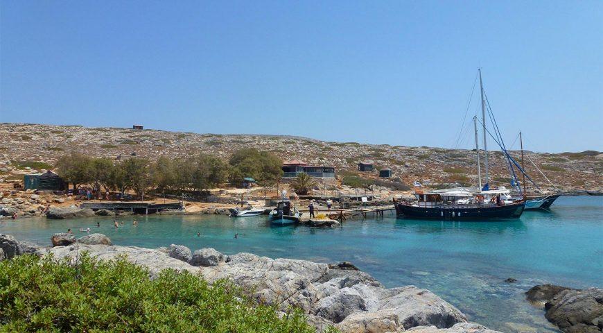 Dia-island-small-port